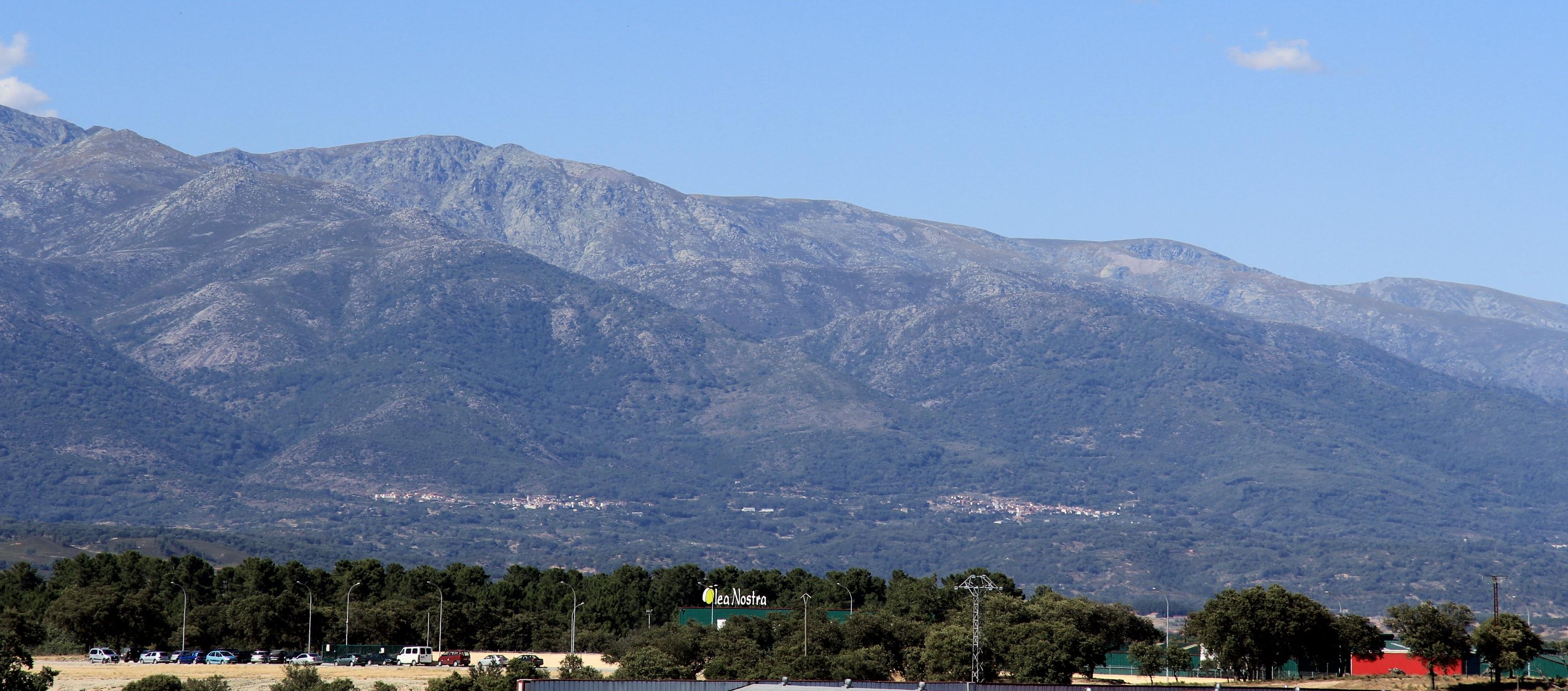 imagen de montañas